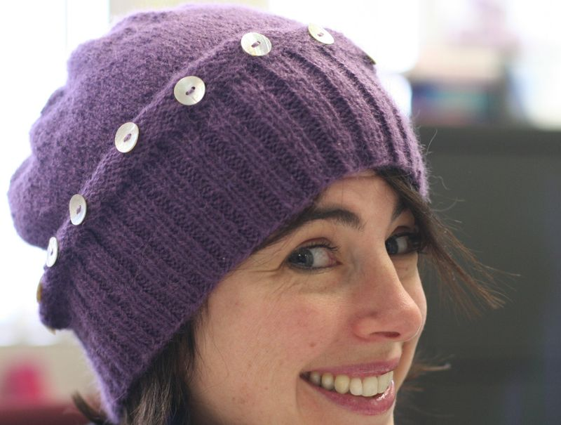 Twist hat side